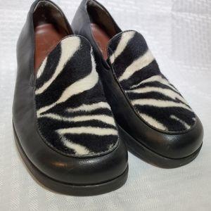 Zebra Shoes Loafers Naturalizer Sz 7
